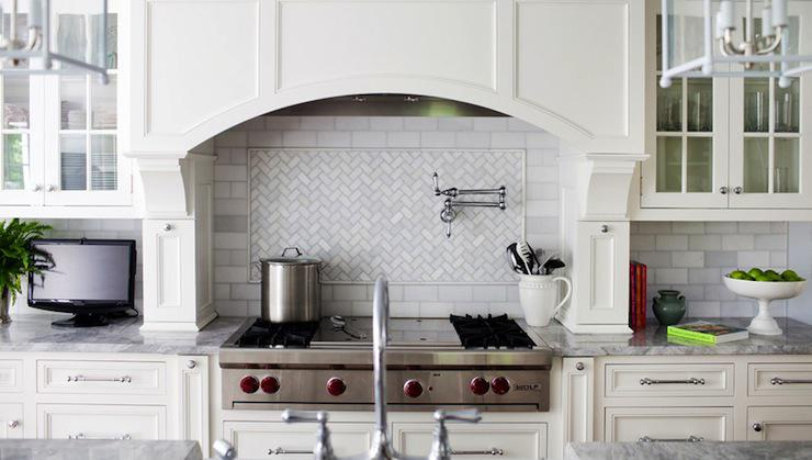 Image of: Carrara Marble Herringbone Backsplash Ideas