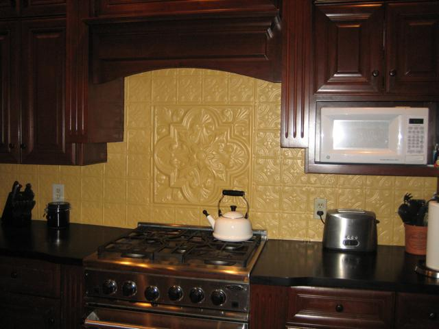 Image of: Faux Tin Backsplash Tiles Wall Decor