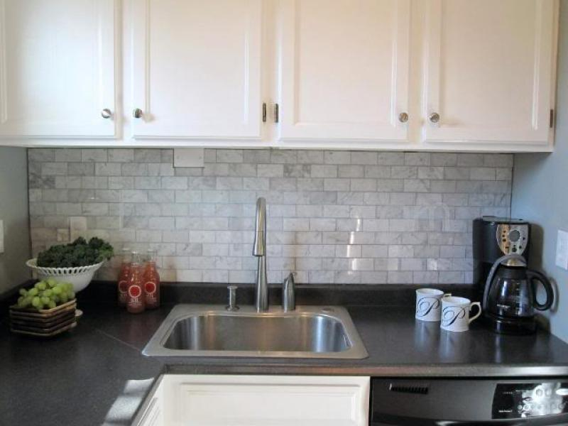 Image of: Herringbone Marble Backsplash Tiles