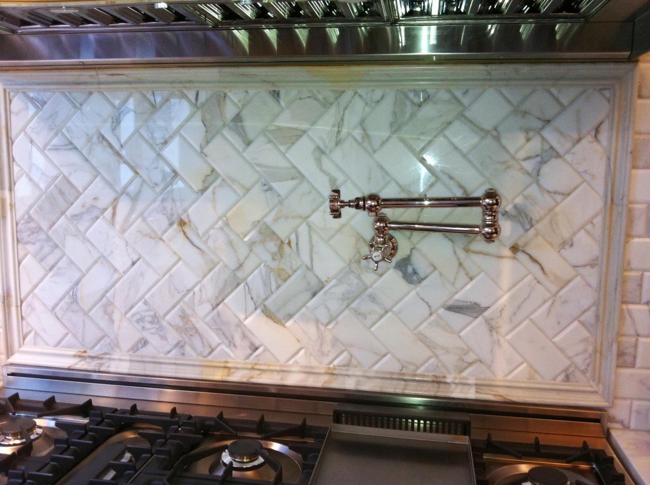 Image of: Marble Backsplash Tiles Designs Ideas