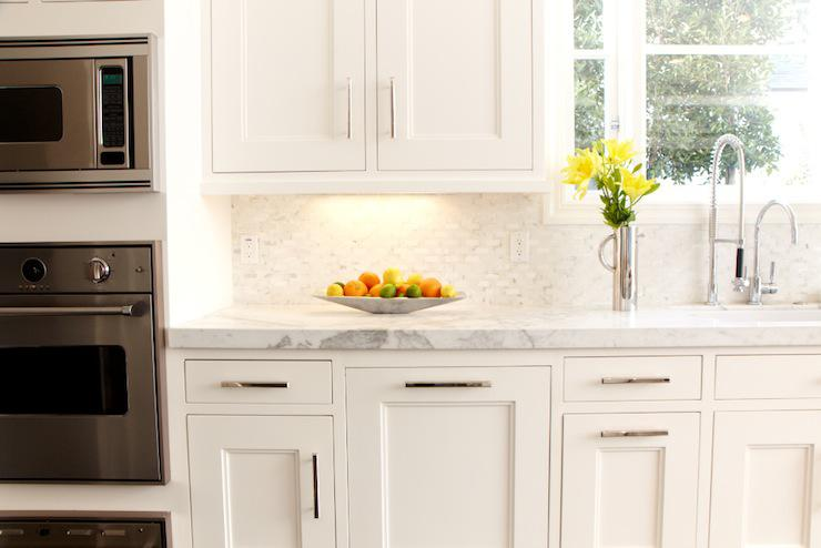 Image of: Elegant Marble Herringbone Backsplash Ideas