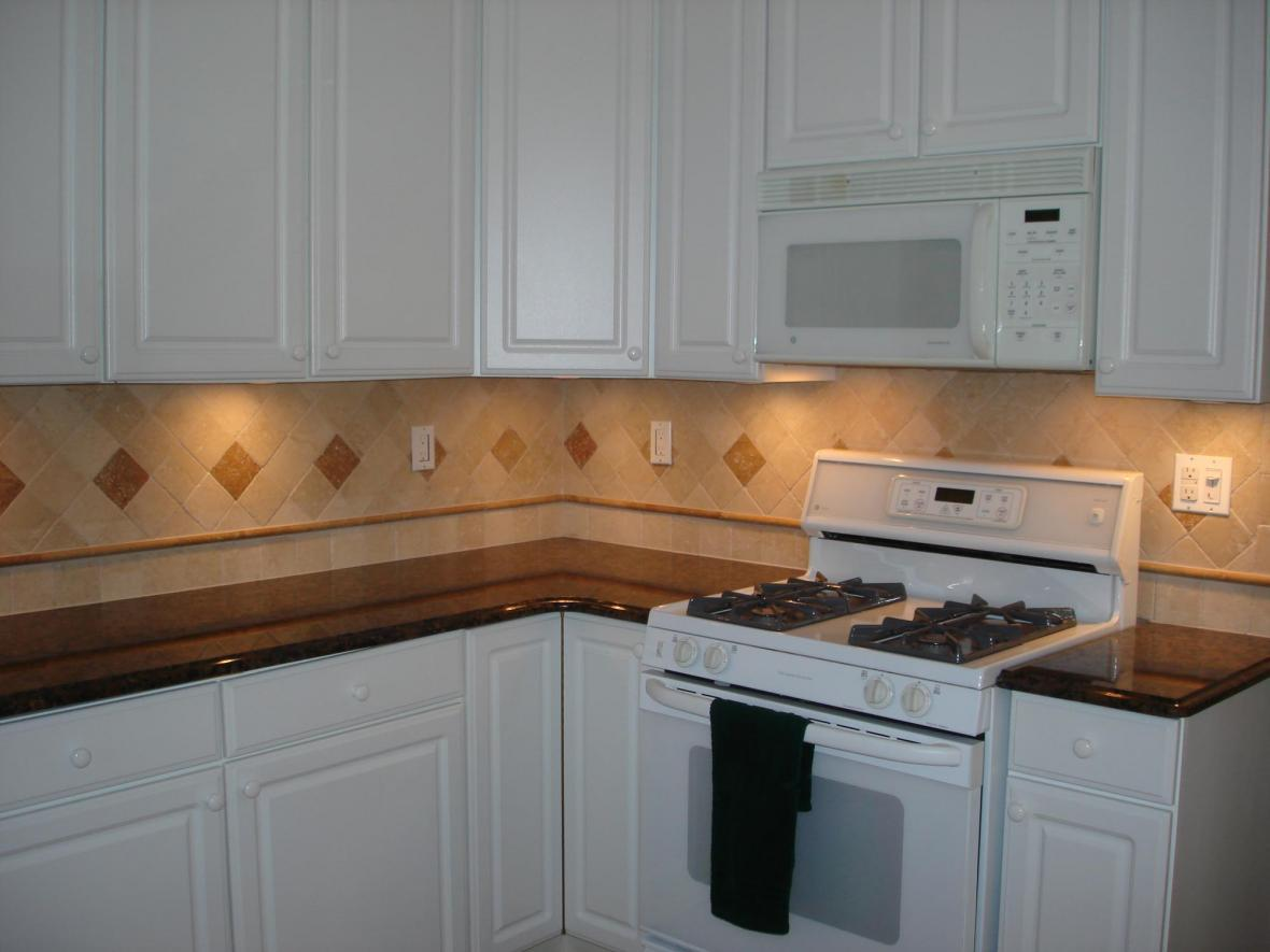 Image of: Marble Subway Tile Backsplash Designs Ideas