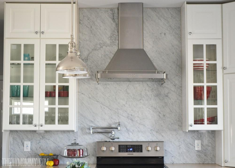 Image of: Elegant White Marble Subway Tile Backsplash Ideas
