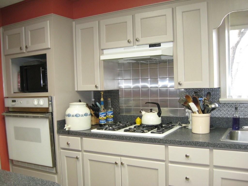 Image of: Shiny Tin Tiles for Backsplash Ideas
