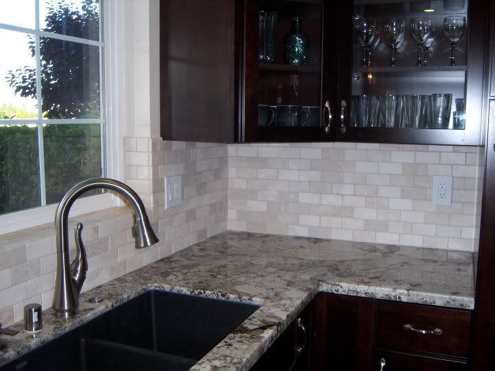 Image of: Tiles Tumbled Marble Backsplash Ideas