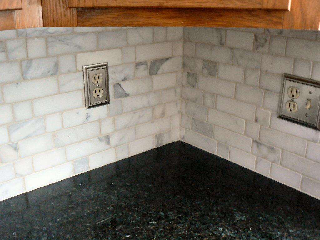 Image of: tumbled stone backsplash ideas