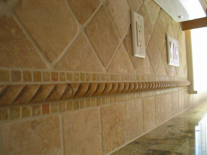 Image of: Best Tumbled Travertine Backsplash Tile Ideas