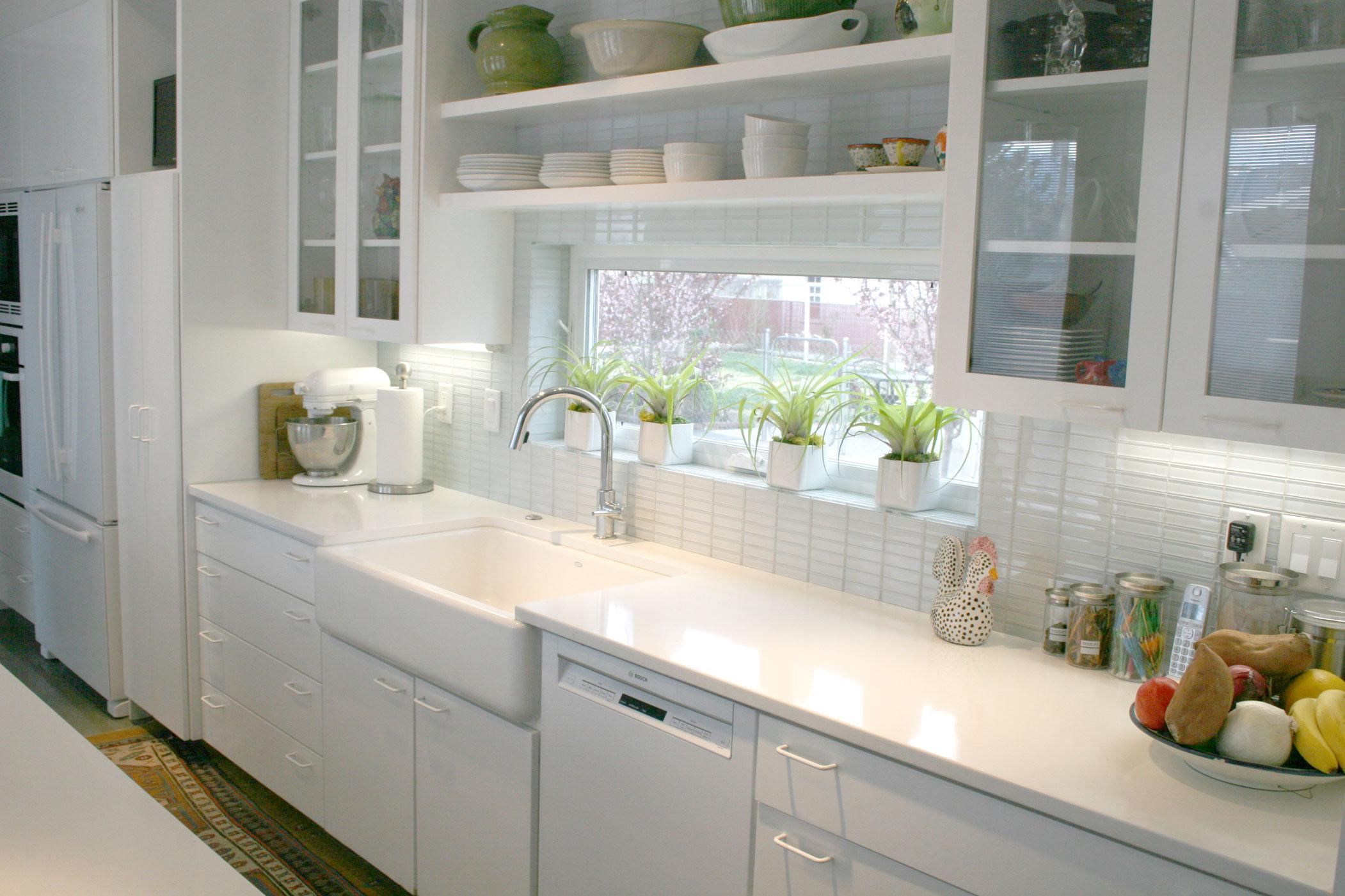 Image of: white backsplash