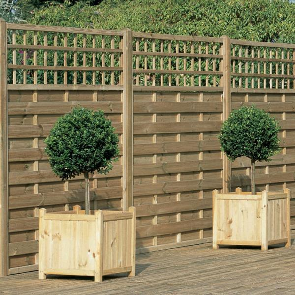 Image of: Cedar Wood Decorative Garden Fencing Ideas