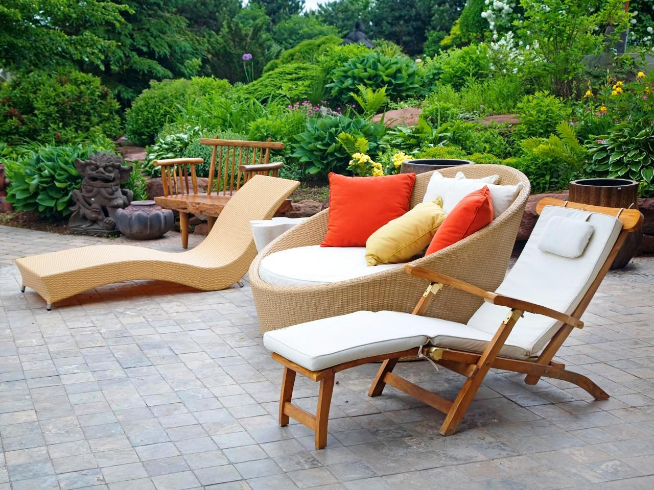 Image of: Discontinued Patio Furniture
