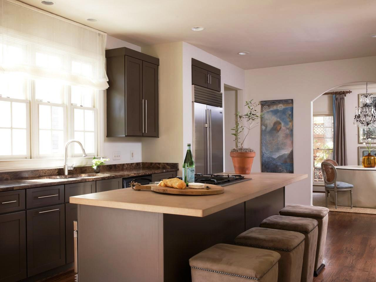 Image of: Kitchen Paint Colors With Honey Oak Cabinets