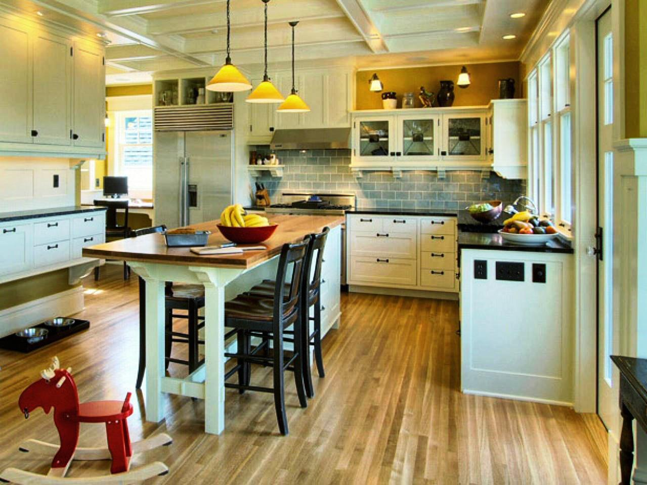 Image of: What Color Flooring Go With Dark Kitchen Cabinets