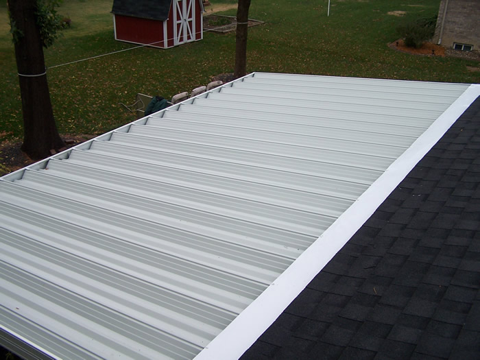 Image of: Quality Aluminum Porch Roof Design