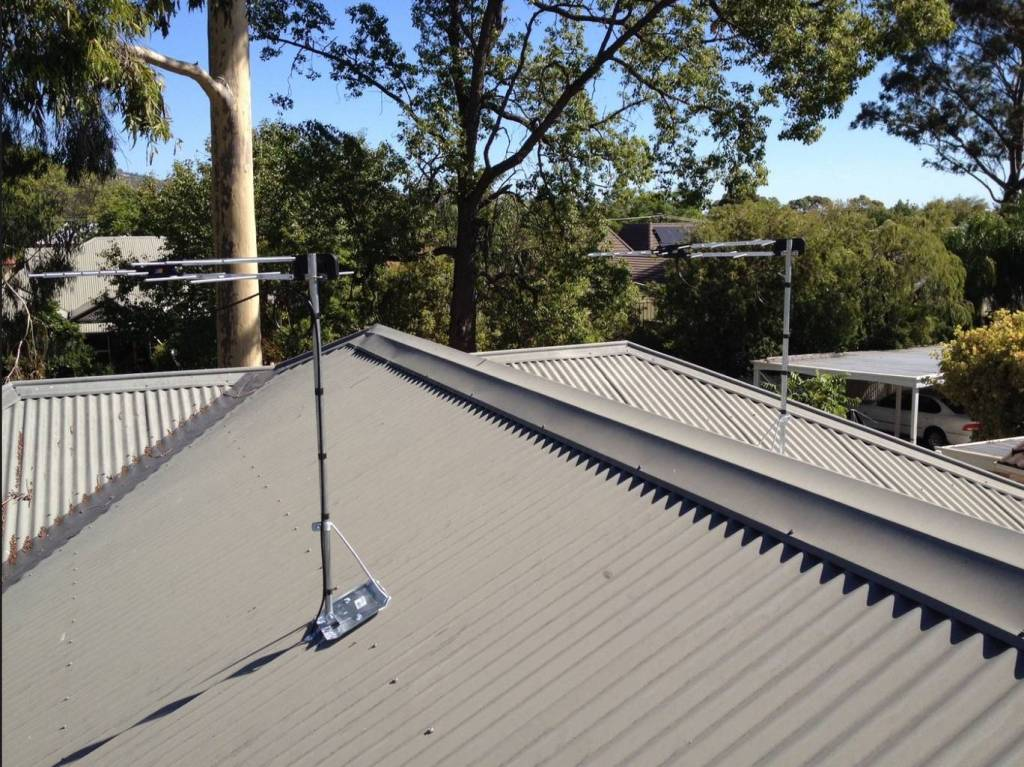 Image of: Antenna Roof Mount Design