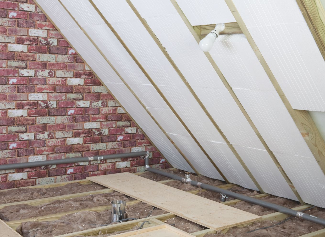 Image of: Attic Roof Insulation Design