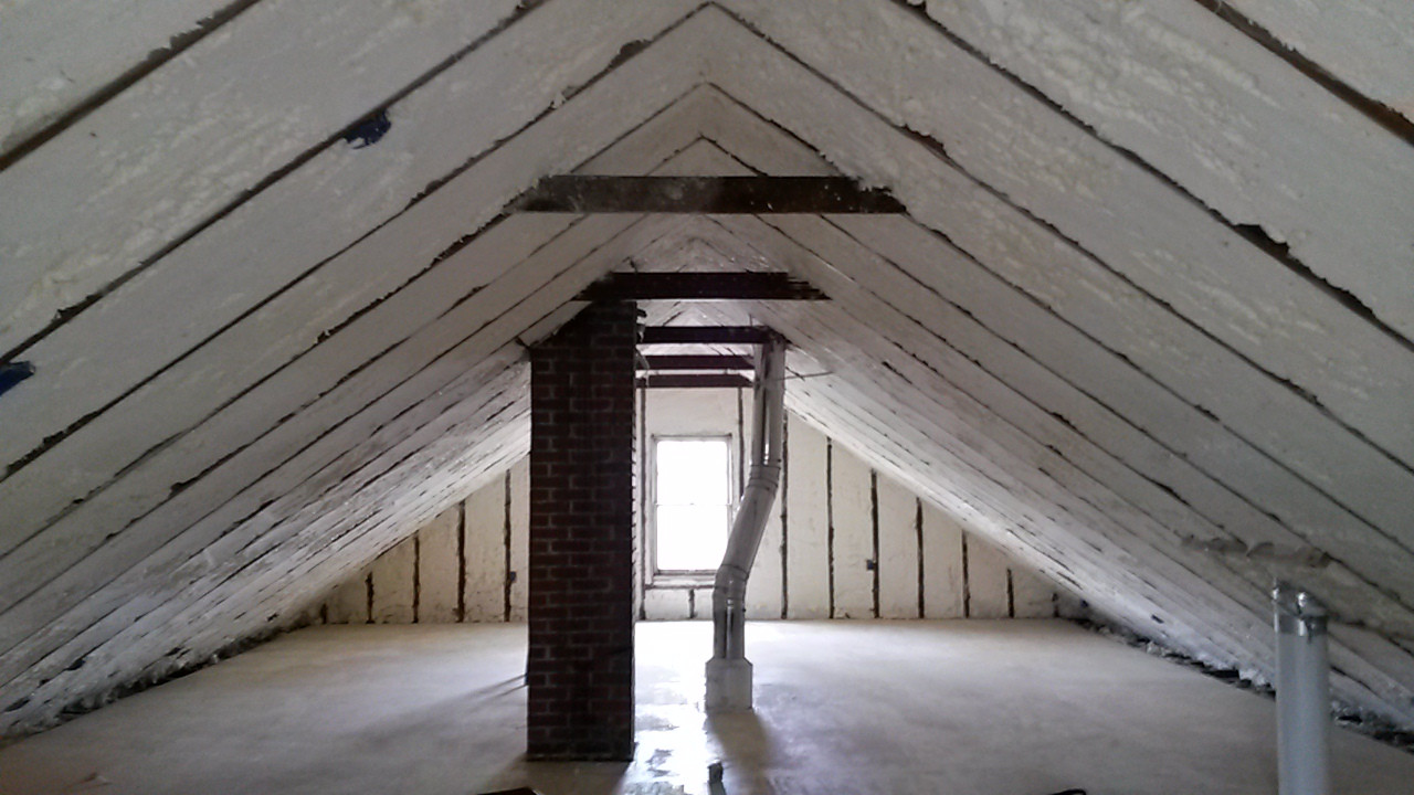 Image of: Unfinished Attic Roof Insulation Ideas