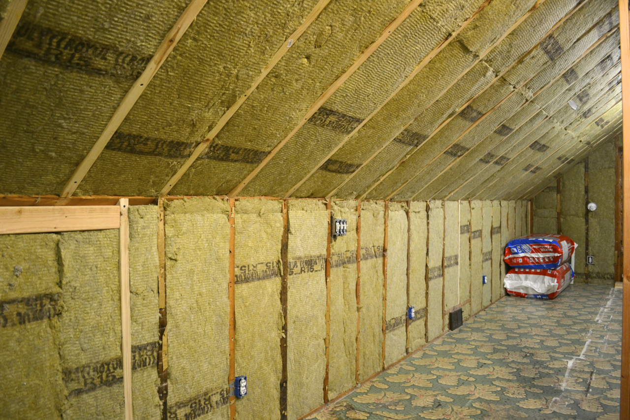 Image of: Attic Roof Insulation Picture