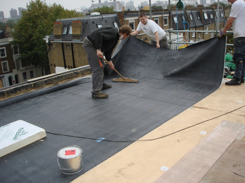 Image of: Best Shoes for Roofing Install