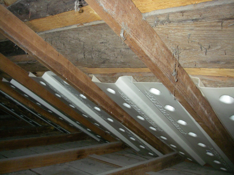 Image of: Design of Attic Roof Insulation