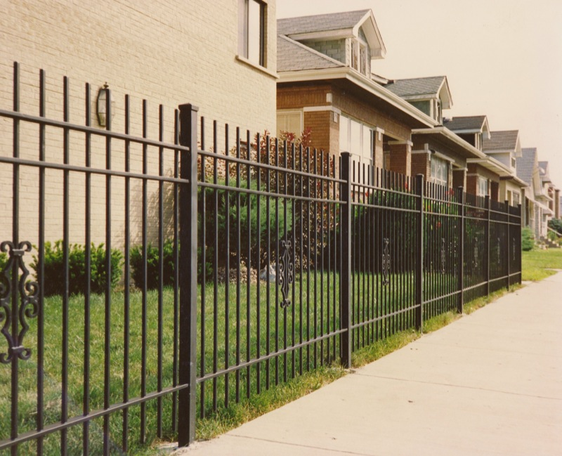 Image of: Iron Fencing for Apartment