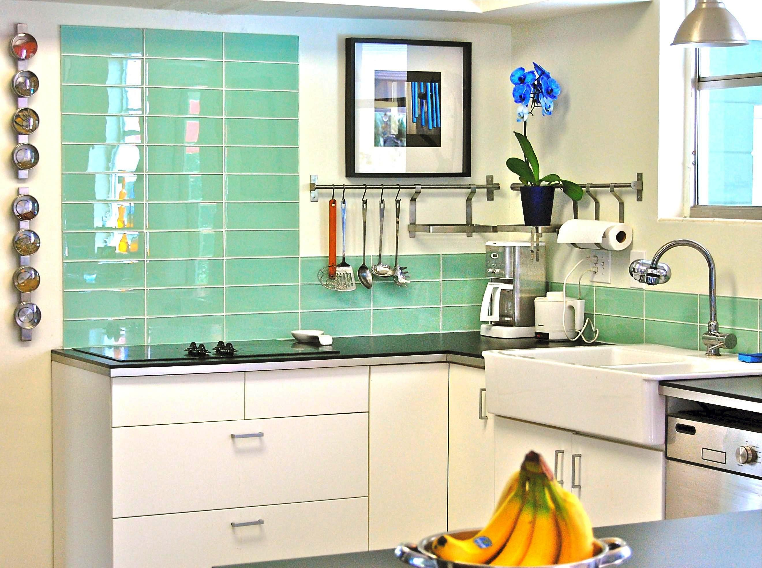 Image of: Light Green Kitchen Walls