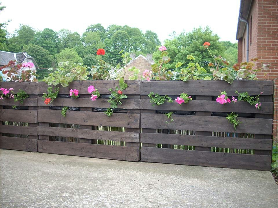 Image of: Nice Pallet Fence