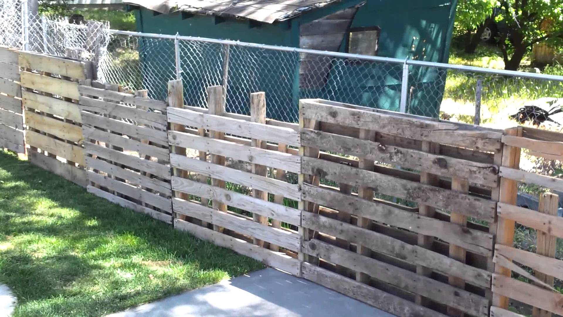 Image of: Pallet Fence Image
