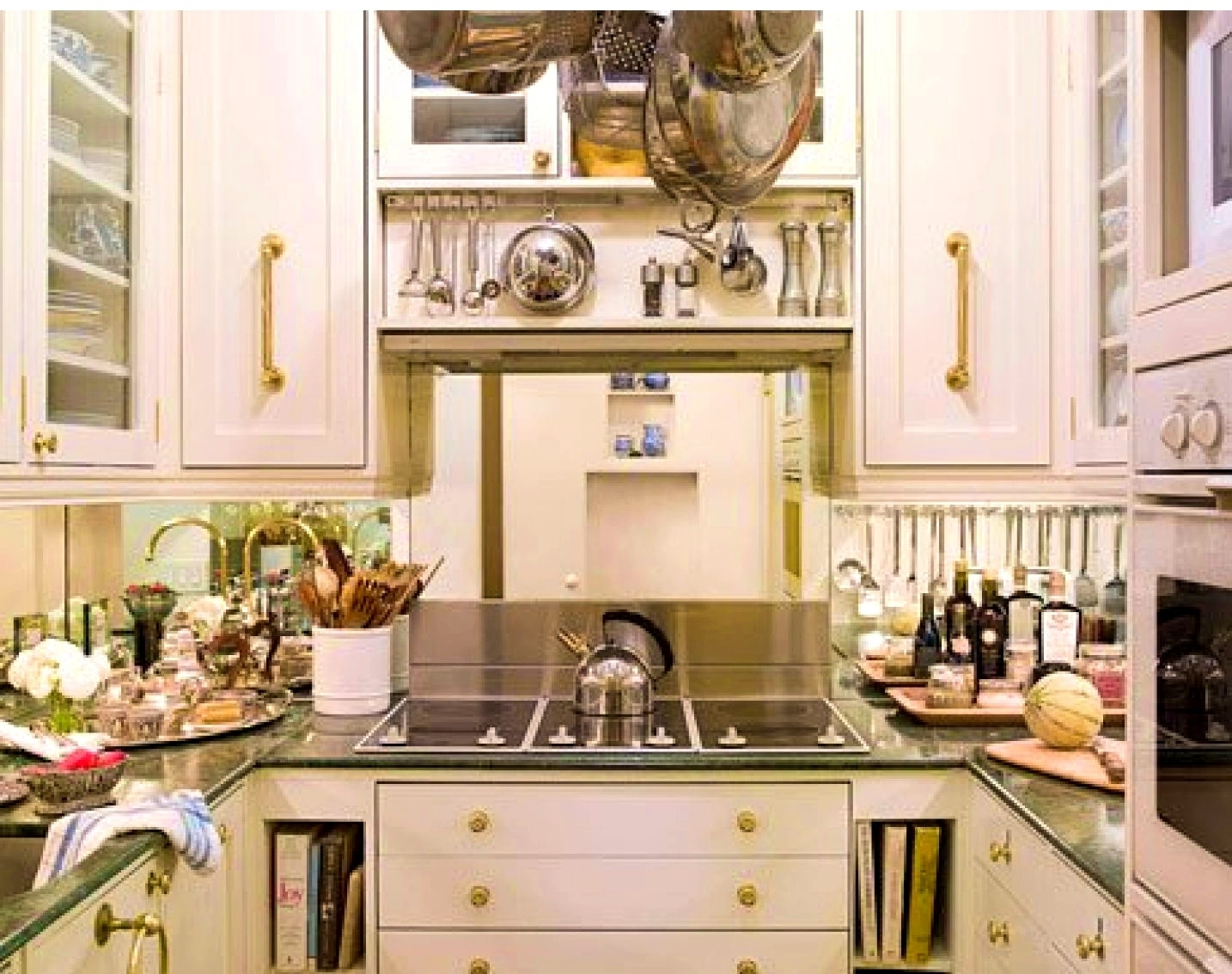 Image of: How To Organize A Small Kitchen Without A Pantry