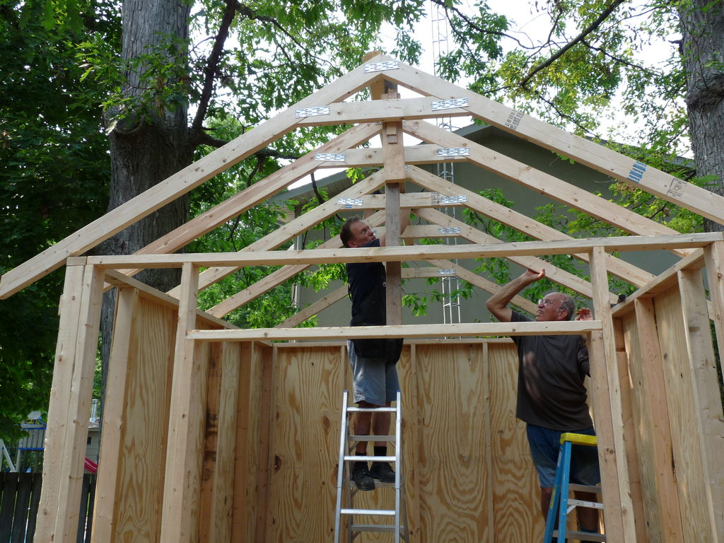 Image of: DIY Building Roof Trusses Ideas