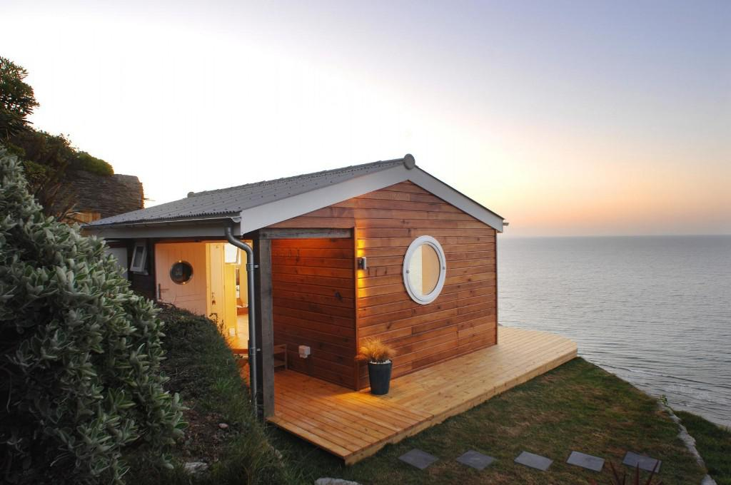 Image of: Attracrtive Summer House Plans