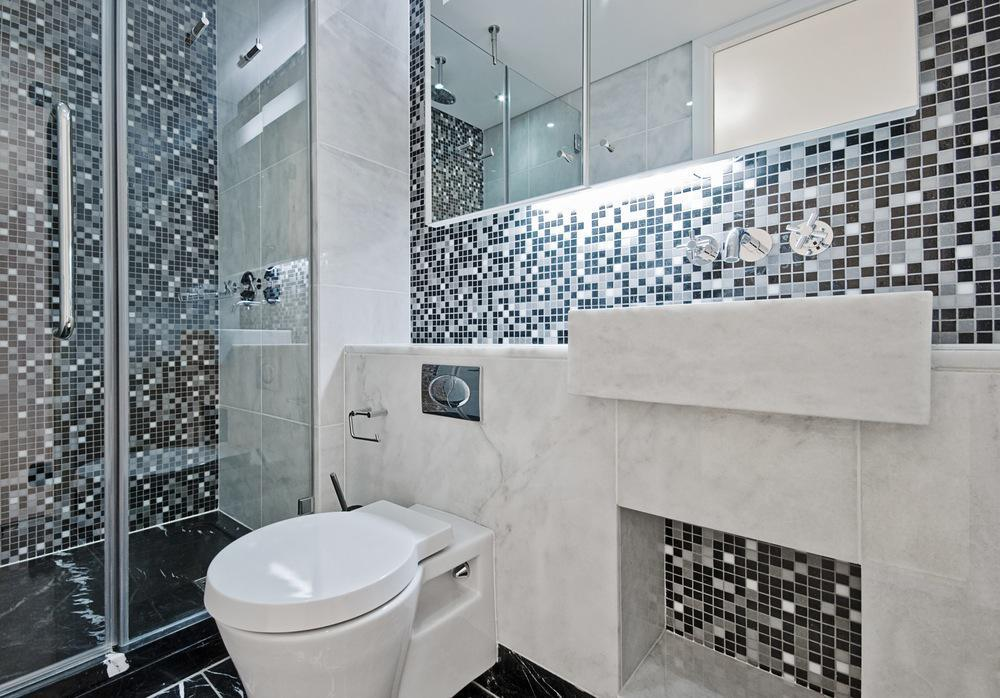 Image of: Attractive Mosaic Bathroom Designs