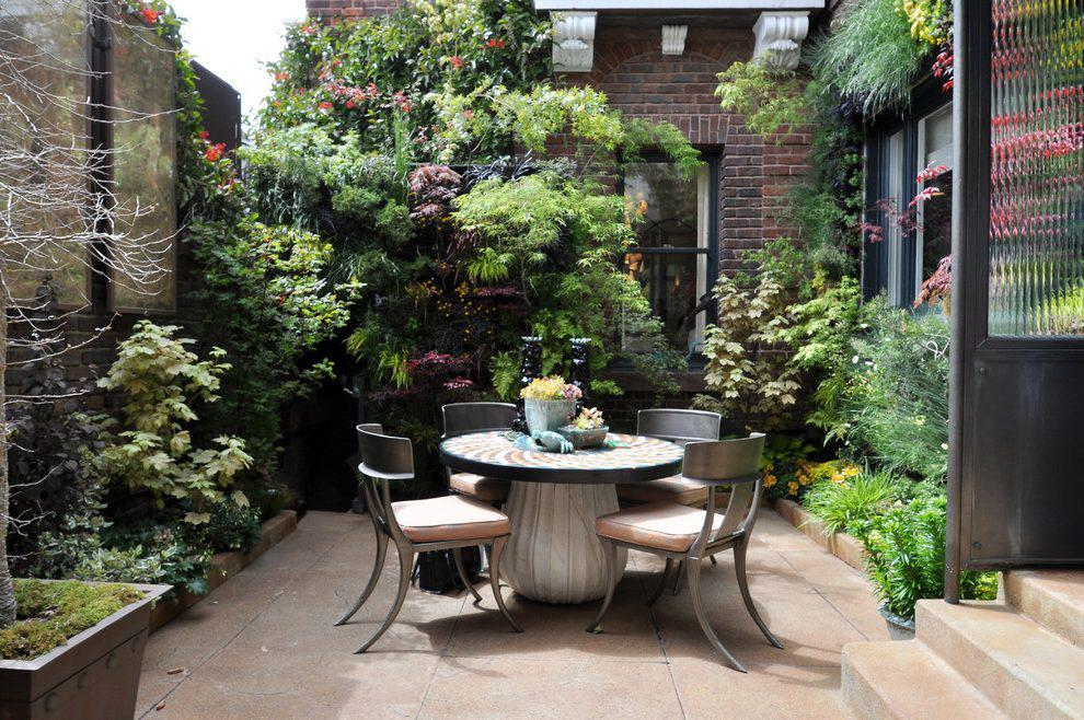 Image of: Awesome Courtyard Gardens Ideas