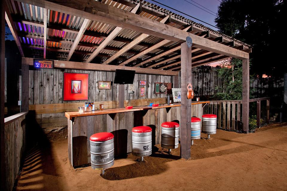 Image of: Awesome Homemade Bars Designs For Outdoor