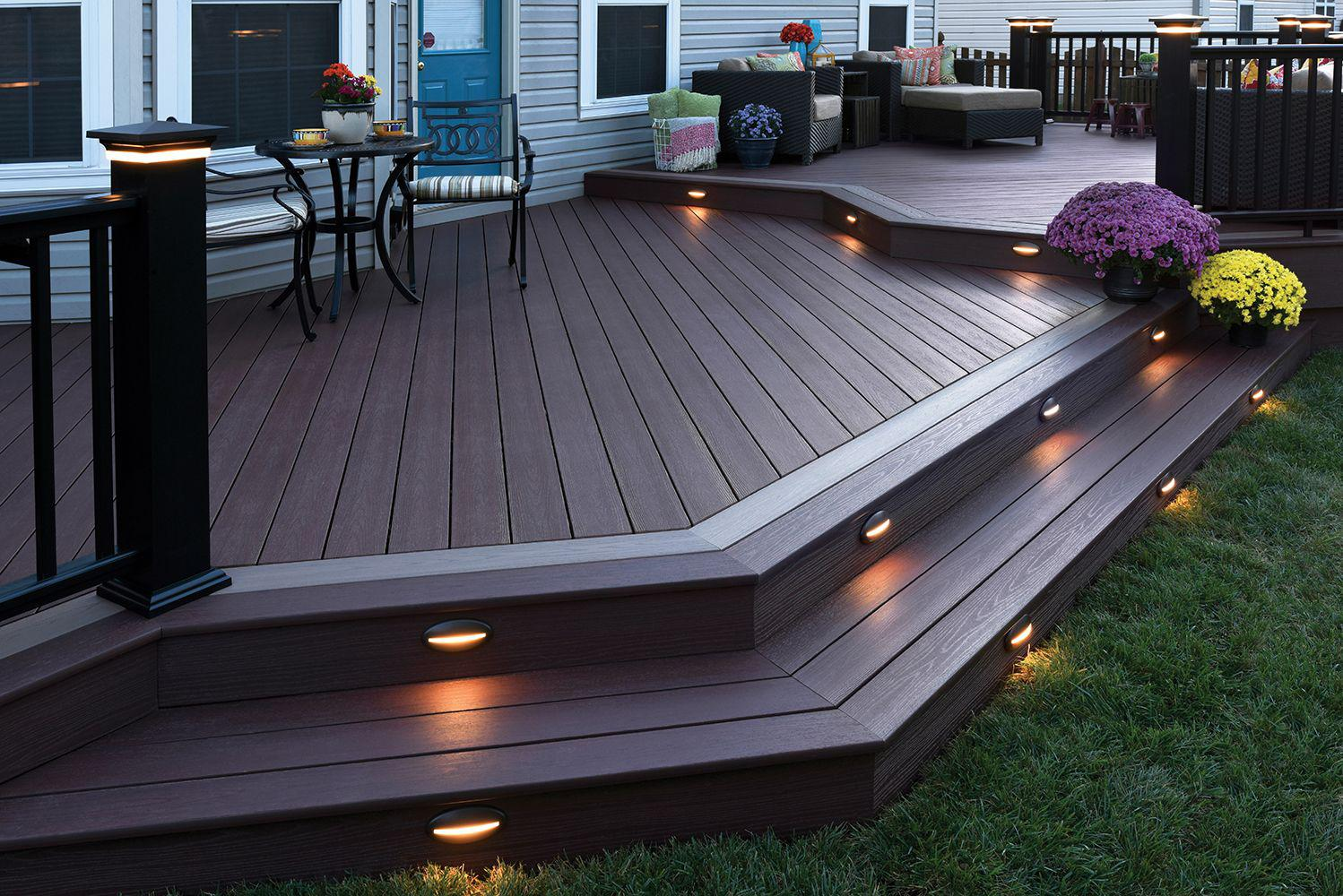 Image of: Wooden Backyard Deck Ideas