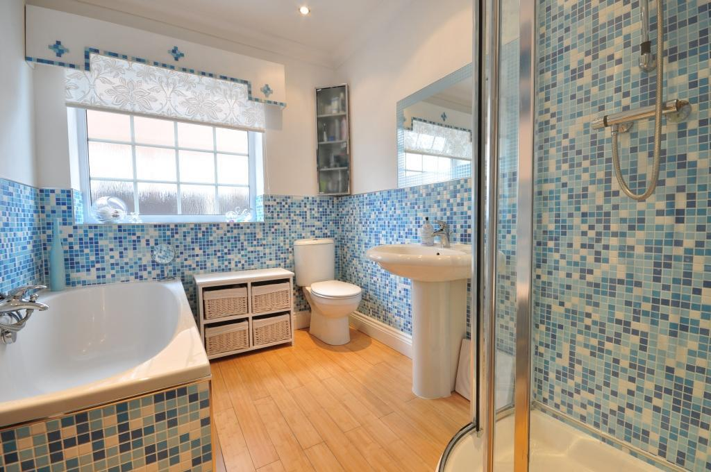 Image of: Bathroom Tile Designs Glass Mosaic