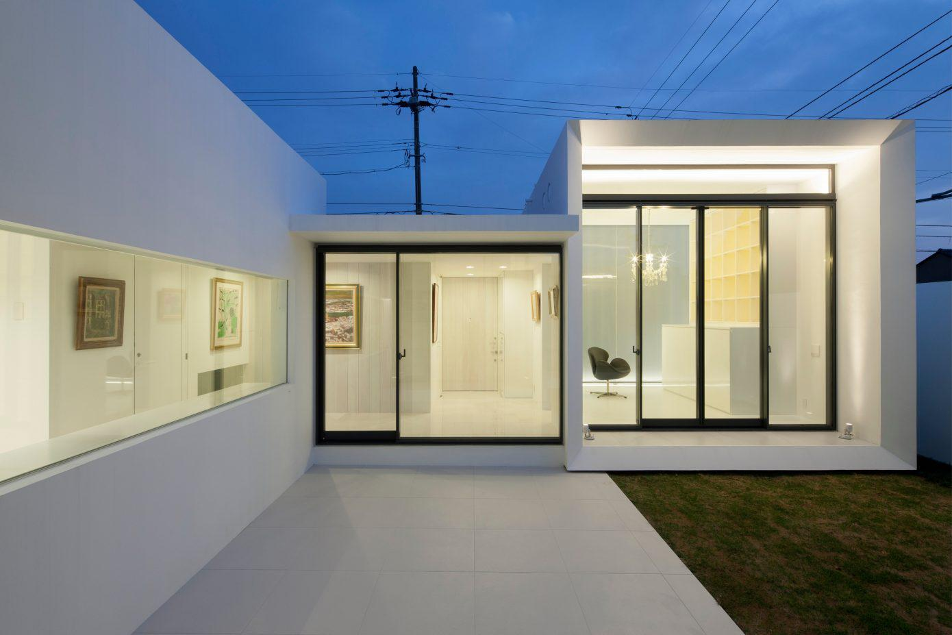 Image of: Best Exterior House Design With White Dormitory Japanese Style