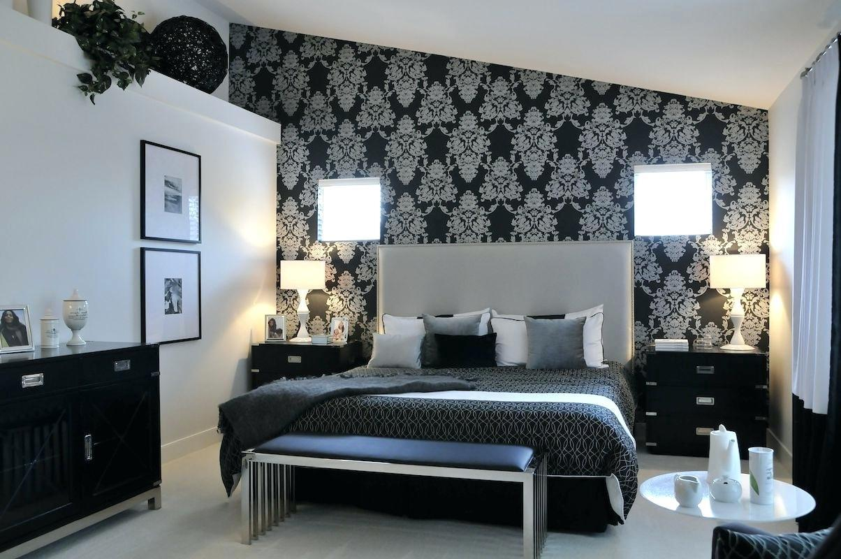 Image of: Black And Silver Bedrooms Ideas