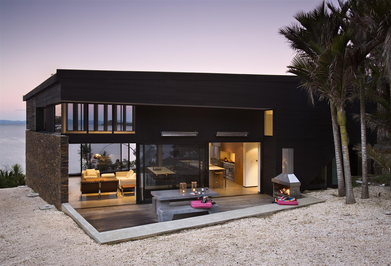 Image of: Contemporary Beach House Ideas
