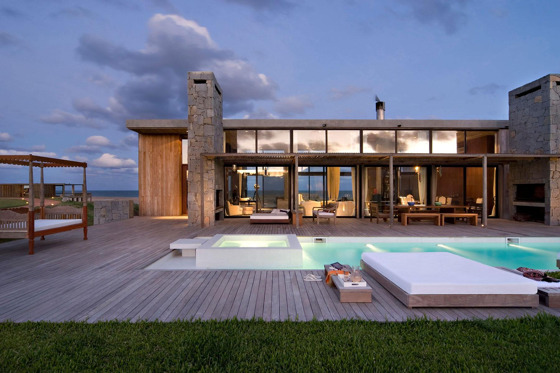 Image of: Contemporary Beach House Style