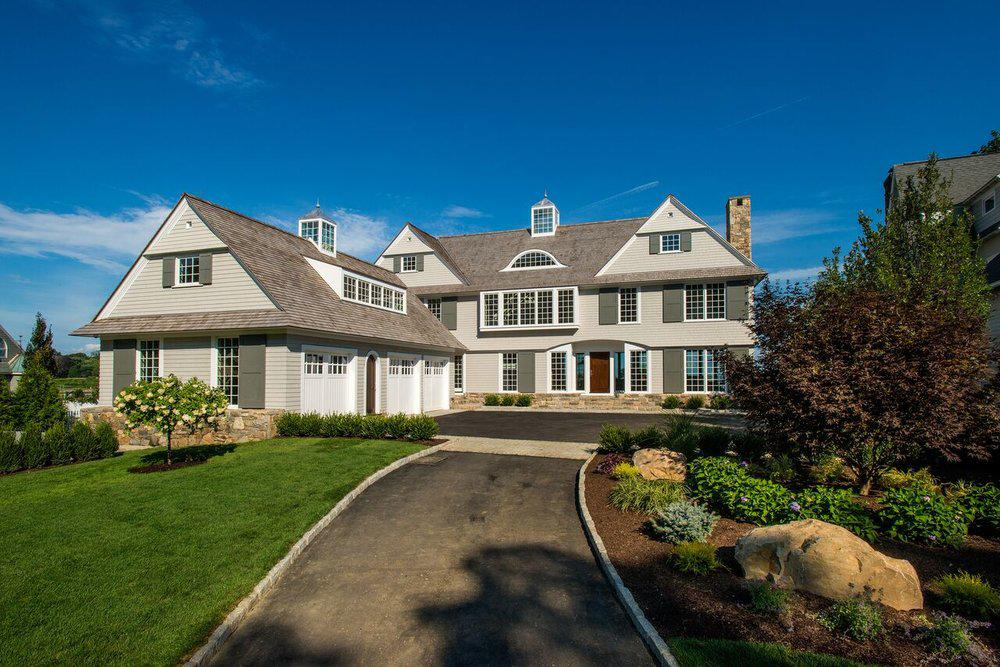 Image of: Contemporary Shingle Style House