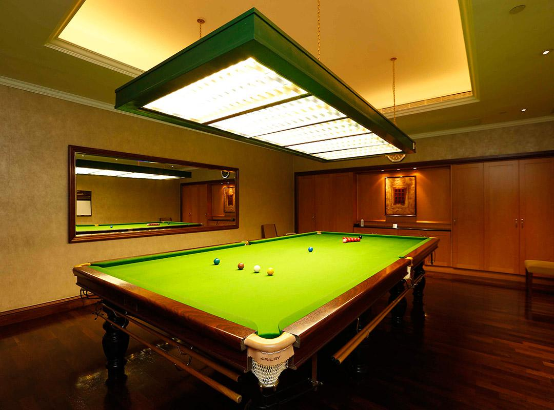 Image of: Elegant Billiard Rooms Ideas