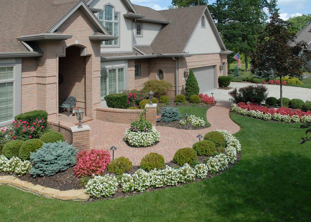 Image of: Front Home Landscaping Ideas