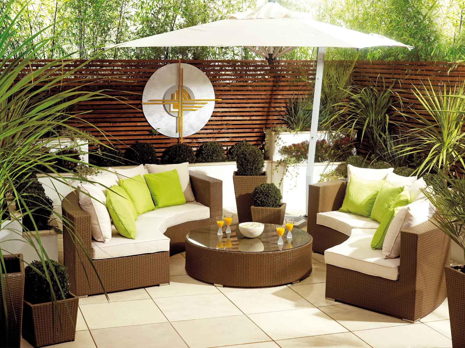 Image of: Garden Furniture Ideas For Small Gardens