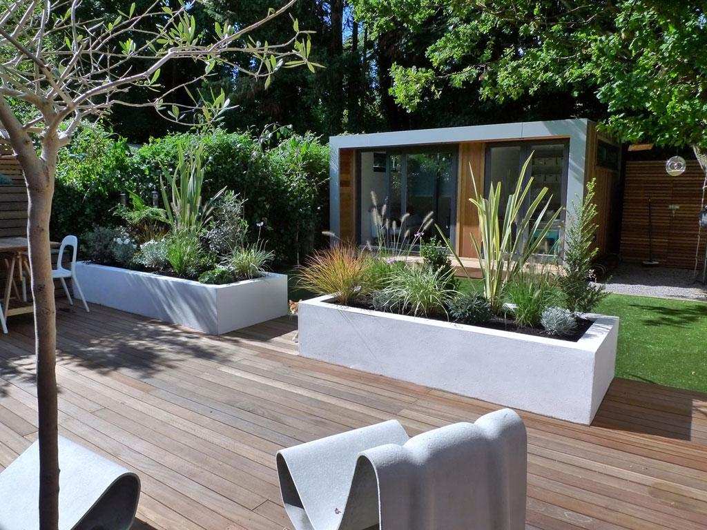 Image of: Garden Landscape Ideas For Small Spaces