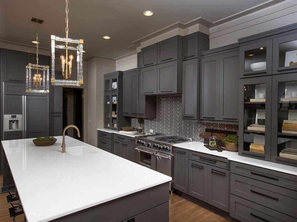 Grey And White Kitchen Backsplash Style