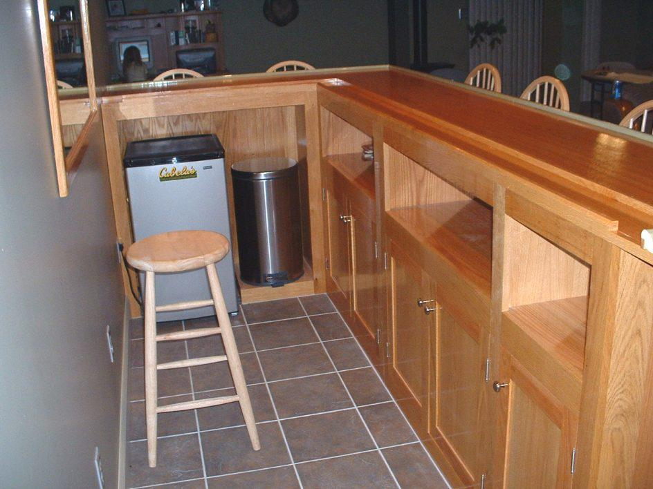 Image of: Home Bar Cabinet Plans
