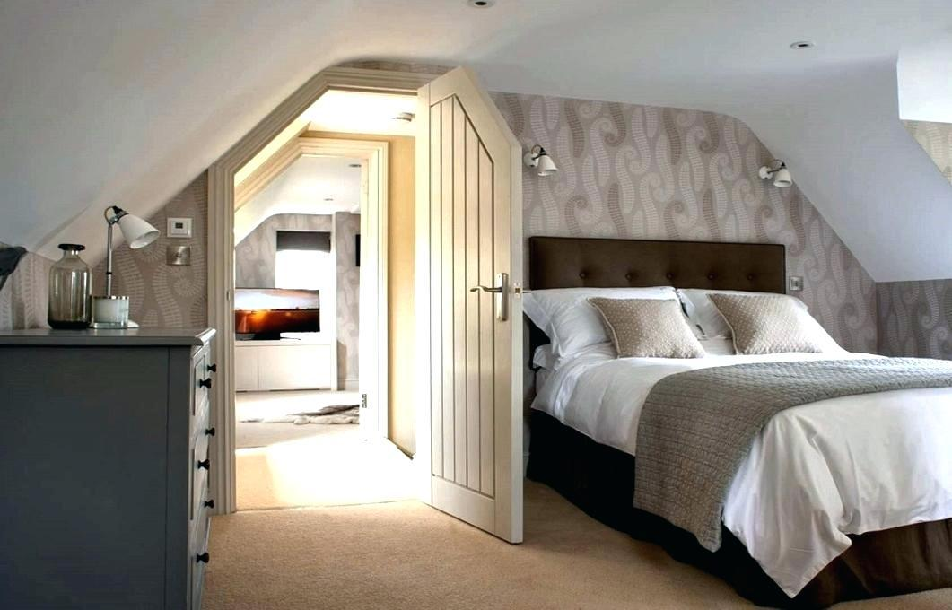 Image of: How To Decorate A Attic Bedroom