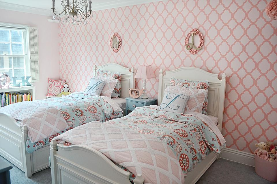 Image of: How To Decorate Twin Girls Room