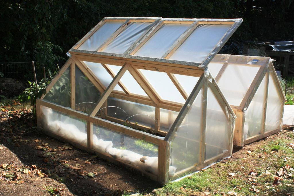 Image of: How To Make A Greenhouse Cheap