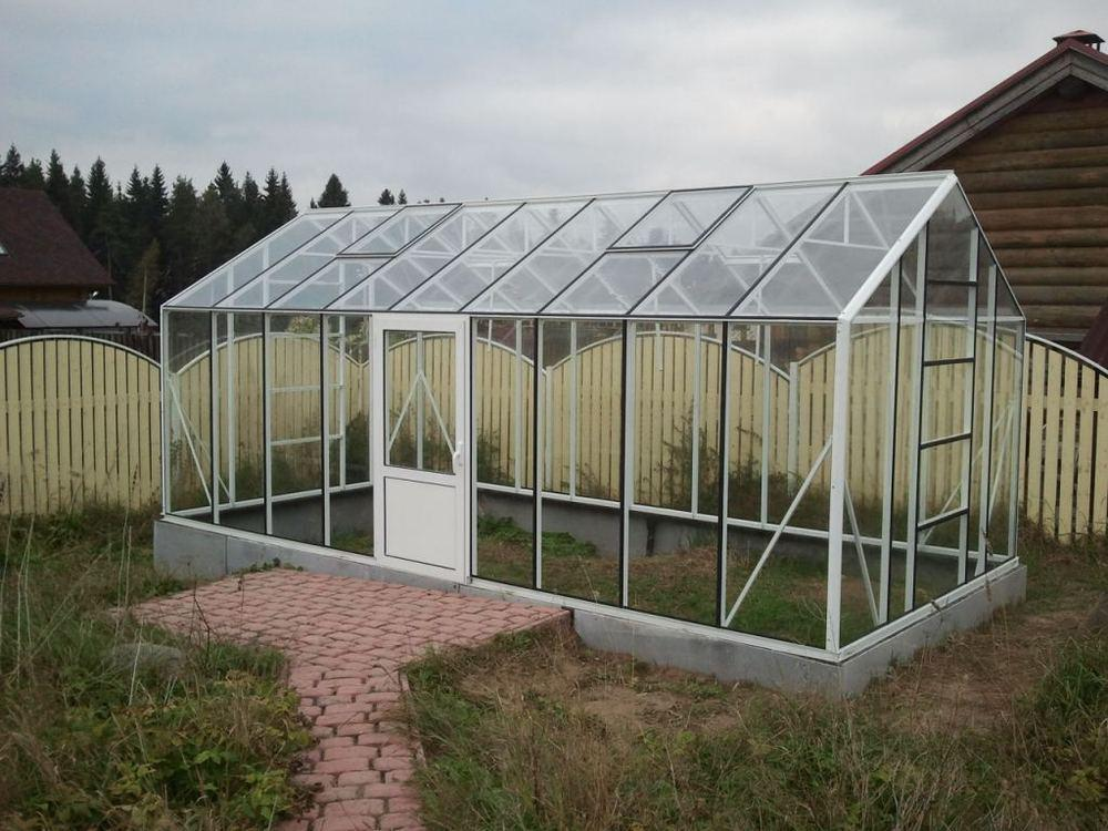 Image of: How To Make A Greenhouse Ideas